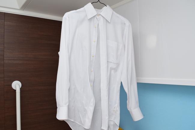 ワイシャツを濡れたまま干す