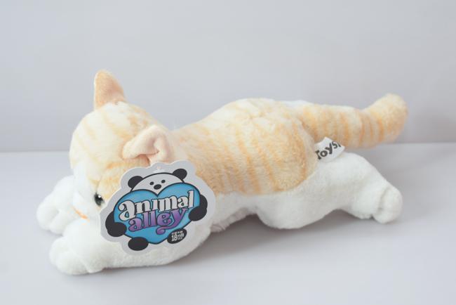アニマルアレイのネコのぬいぐるみ